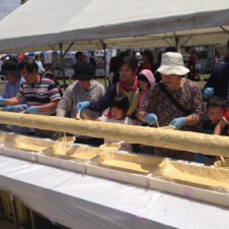 世界一長いバームクーヘンとしてギネス世界記録に認定/福岡県筑前町