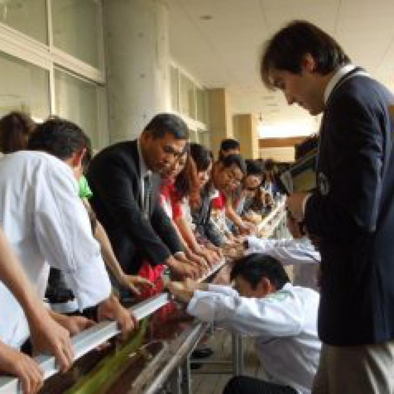 佐賀県の学生が名産・抹茶羊羹で世界記録達成!